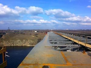 Строящийся мост через Старый Днепр в Запорожье